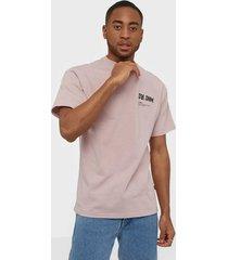 dr denim trooper tee t-shirts & linnen rose