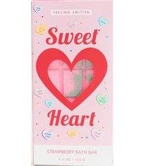 feeling smitten sweetheart bath bar
