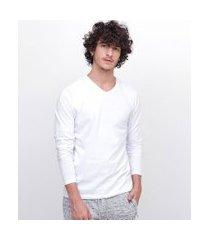 camiseta básica manga longa com gola v | blue steel | branco | g