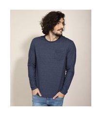 camiseta manga longa com bolso gola careca azul escuro