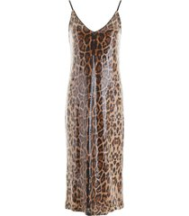 in the mood for love rihanna dress