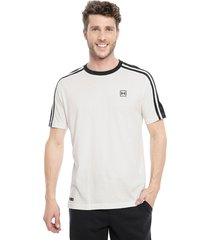 polera under armour unstoppable s striped ss blanco - calce regular