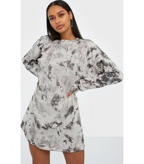missguided tie dye long sleeve t-shirt dress loose fit dresses