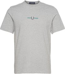 embroidered tee t-shirts short-sleeved grå fred perry