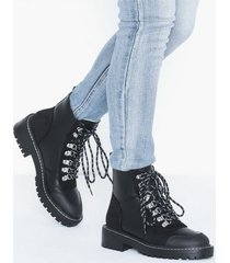 only onlbold lace up pu winter bootie flat boots