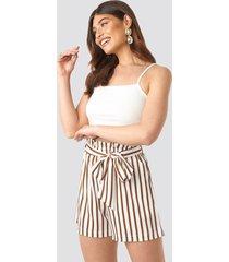 na-kd trend striped paperwaist shorts - white