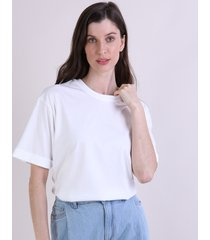 t-shirt feminina mindset alongada manga curta decote redondo off white
