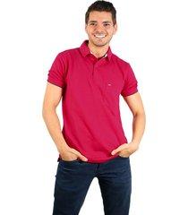 camiseta polo hamer, basica con bolsillo, para hombre color fucsia oscuro