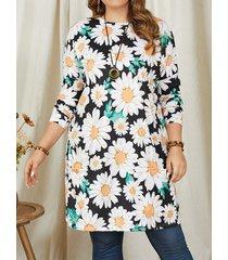 camicetta lunga con stampa di fiori di margherite plus taglia