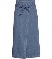 slfdemina hw inky blue denim skirt w knälång kjol blå selected femme