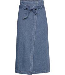 slfdemina hw inky blue denim skirt w knälång kjol blå selected femme
