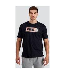 camiseta fatal bloom estampada preta