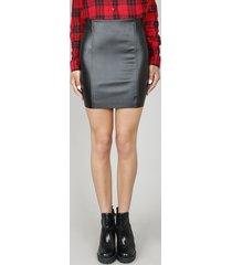 saia feminina curta com recortes preta