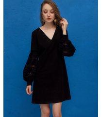 sukienka z ażurowymi rękawami