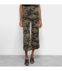 calça sarja pantacourt cantão cintura alta camuflada feminina