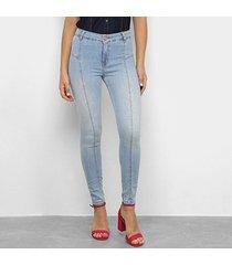 calça jeans skinny zune delavê recortes feminina
