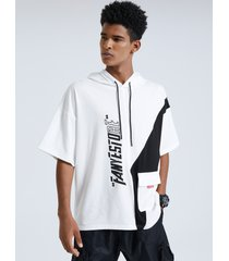 camiseta con capucha con cordón y bolsillo con letras para hombre