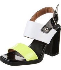 sandalia de cuero verde heyas pachas