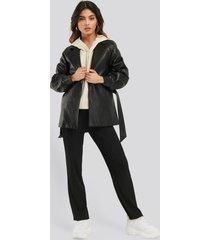na-kd trend elastic waist pleated pants - black