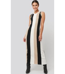 na-kd ribbed sleeveless maxi dress - multicolor