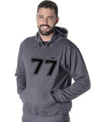 moletom blusão flanelado suffix fechado liso com capuz bolso canguru cinza escuro chumbo estampa 77