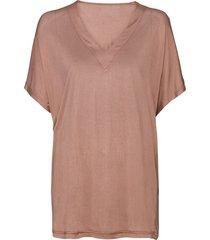 t-shirt van bio-zijden jersey met wijde v-hals, taupe 50