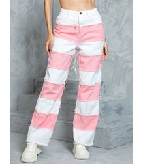 bolsillos laterales de patchwork rosa detalles de borlas jeans
