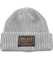 gorro de lana gris fight for your right