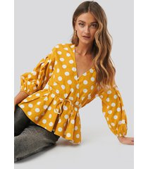 na-kd balloon sleeve drawstring dotted blouse - multicolor,yellow