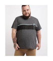 camiseta masculina plus size com listra e coqueiro manga curta gola careca cinza mescla escuro