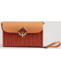 bolsa feminina transversal pequena com fivela e palha laranja
