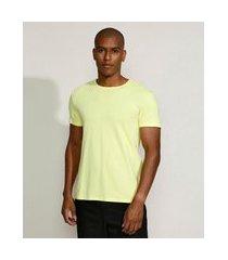 camiseta masculina manga curta básica com elastano gola careca amarelo claro