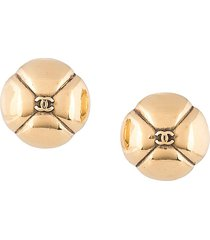 chanel pre-owned embossed cc round earrings - gold