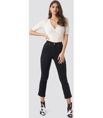 na-kd mid rise cropped flared jeans - black