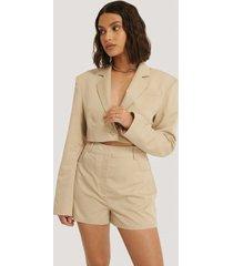 na-kd trend shorts - beige