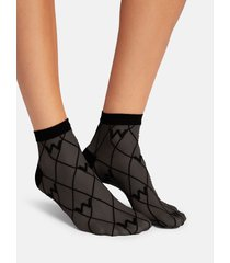 w-pattern ankle socks