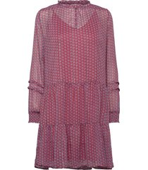 dress w. gatherings and smock detai jurk knielengte rood coster copenhagen