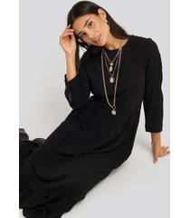 na-kd ruffle hem round neck midi dress - black