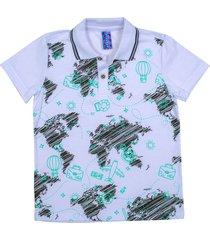camiseta tipo polo blanca puntazul