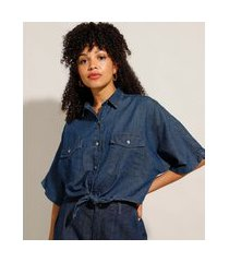 camisa cropped jeans com bolsos e nó manga curta azul escuro