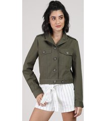 jaqueta de sarja feminina cropped com bolsos verde militar