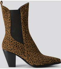 na-kd shoes leo elastic detail calf boots - multicolor