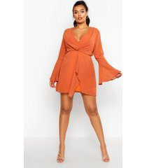 plus dobby plunge front flared sleeve shift dress, rust