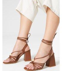 amaro feminino sandália amarração e tiras finas, caramelo