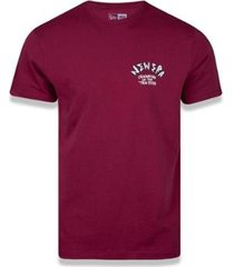 camiseta manga curta street taste ball vermelho escuro new era - masculino