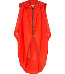 issey miyake air long dropped hem cape - red