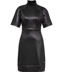 glossy high collar sweat jurk