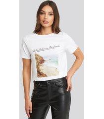 na-kd mentally on the beach t-shirt - white
