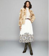 reiss millie coat - faux fur coat in cream, womens, size xl