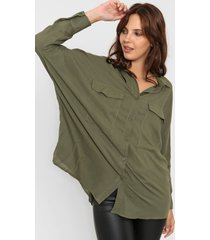 camisa verde odas oversize cargo